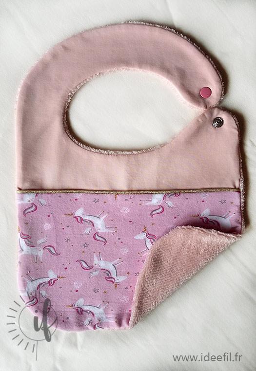 bavoir bébé rose or licorne cadeau de naissance